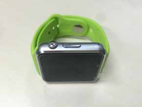 'Shanzhai' smart watch with Android system imitating I-watch